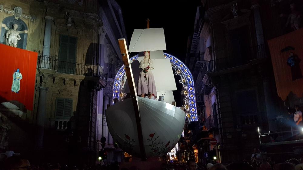 Palermo si prepara al Festino, al via i lavori per il Carro Trionfale