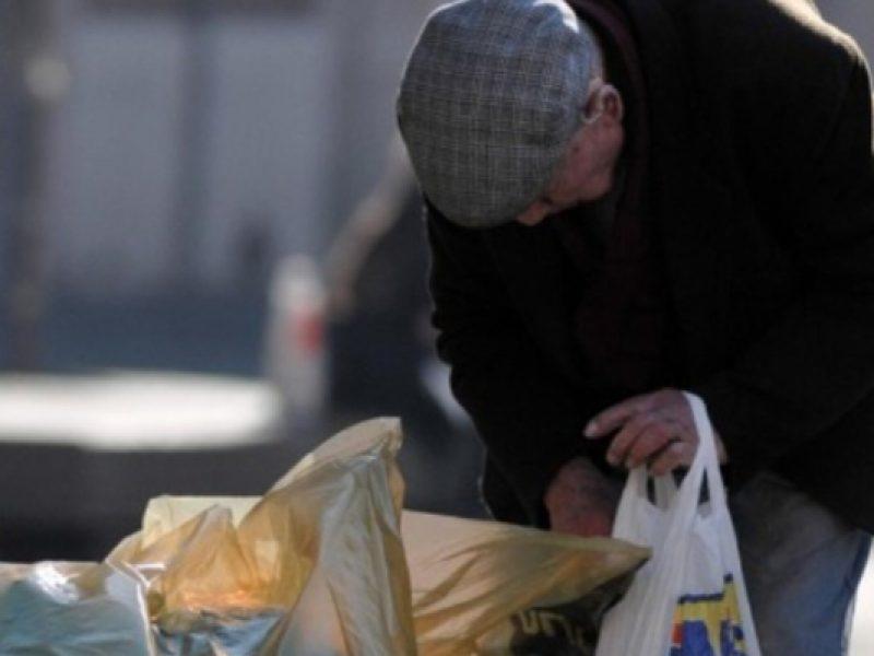povertà, stime, Istat, italiani poveri, povertà al Sud, Nord povertà in calo, reddito familiare