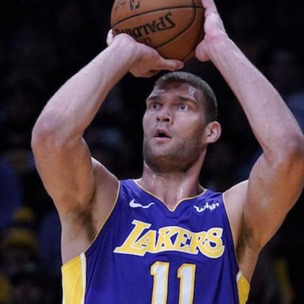 NBA, Brook Lopez firma coi Bucks. Anche Jerebko a Golden State