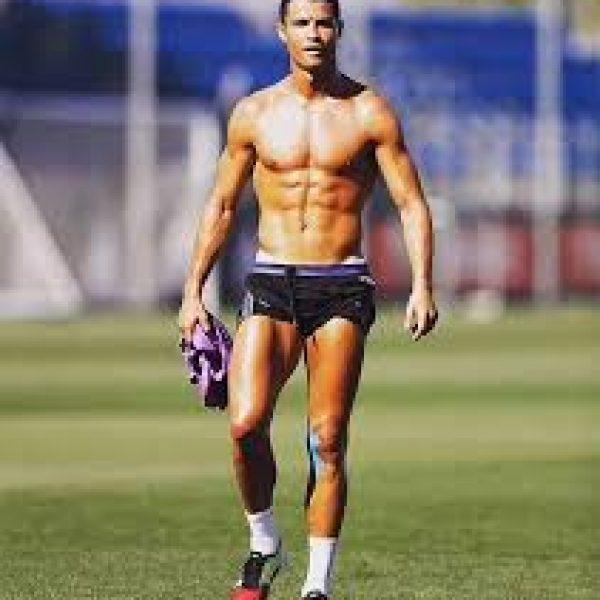 Cristiano Ronaldo non ha tatuaggi, ecco perché