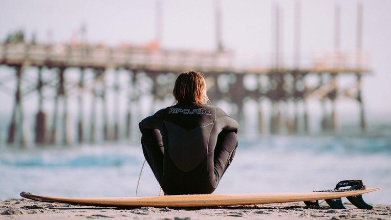 Livorno, surfista 12enne salva turista che stava annegando