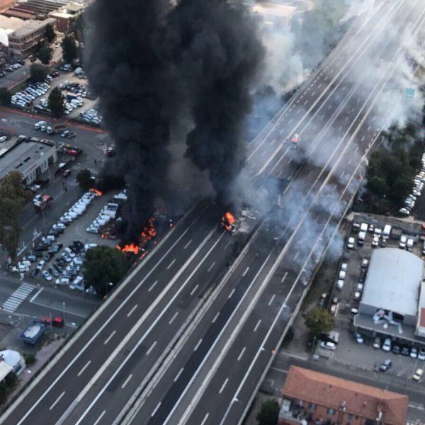 Incendio Bologna, i testimoni: