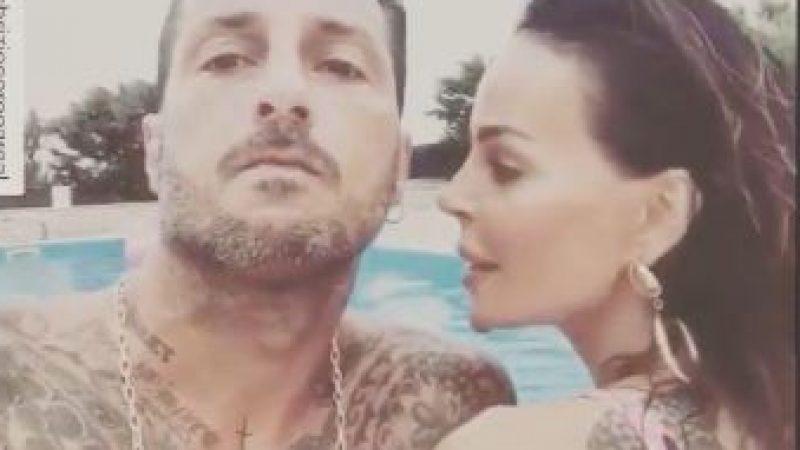 """Nina Moric e Fabrizio Corona in vacanza insieme: """"Ha vinto l'amore"""""""