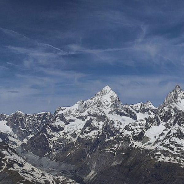 svizzera, precipita aereo d'epoca su alpi svizzere, vittime schianto aereo d'epoca sulle alpi