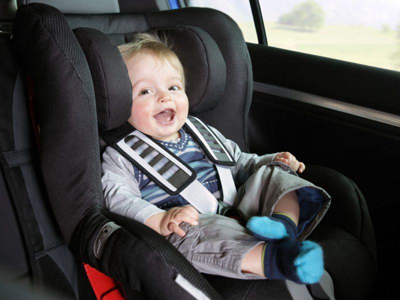bimbi sicuri in auto