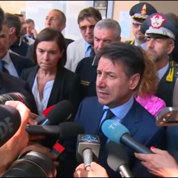 Incendio Bologna, Conte in visita ai feriti: