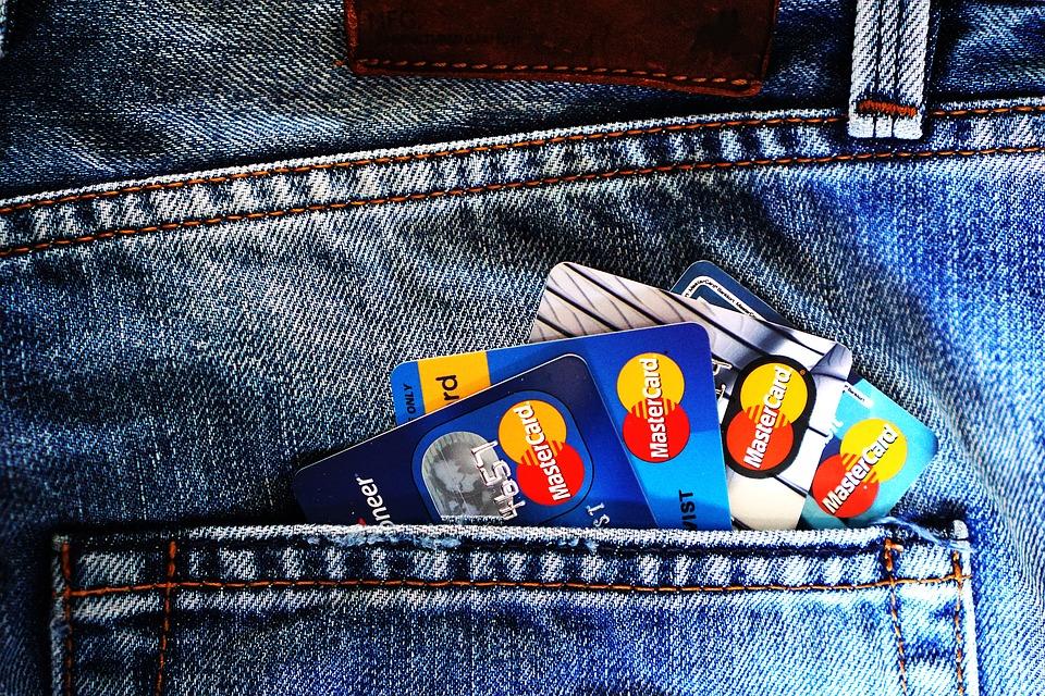 Intesa Google-Mastercard per tracciare gli acquisti offline