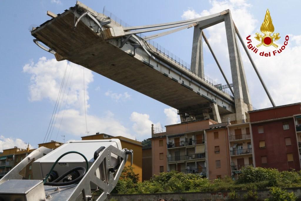 """Ponte Morandi, Autostrade presenta il progetto ma il M5S dice """"no"""""""