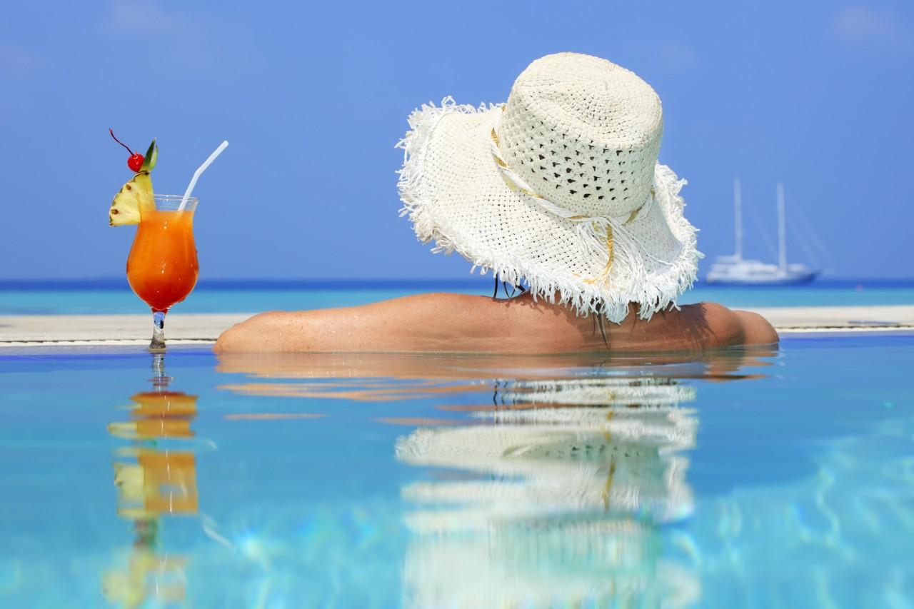 Dipendenza dal lavoro, 5 consigli per non portare lo stress in vacanza