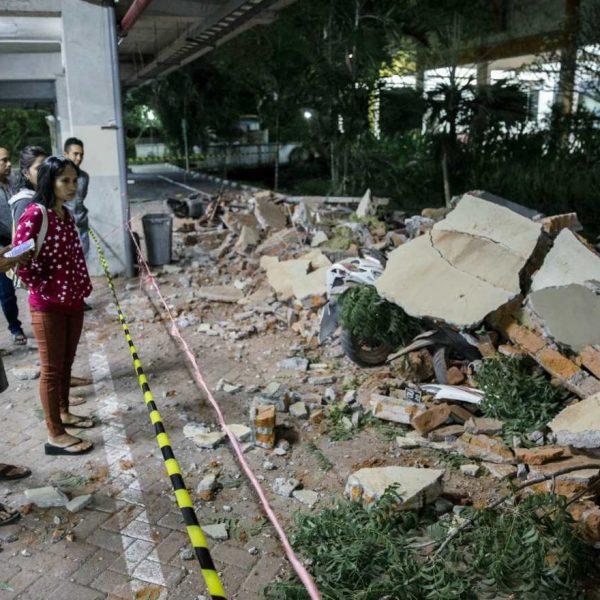 Un uomo ancora vivo è stato estratto sotto le macerie della grande moschea Jabal Nur, crollata durante il terremoto che ha scosso l'isola di Lombok