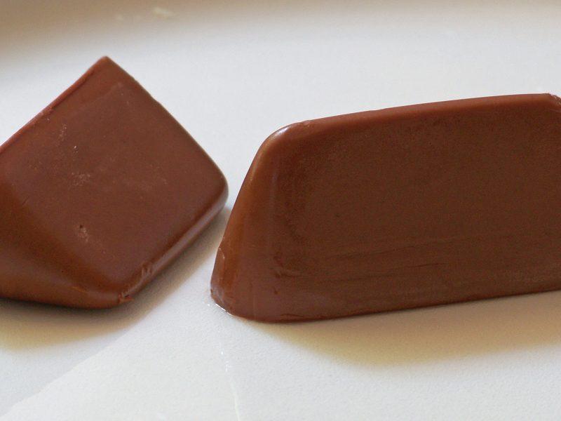 La cioccolata gianduia fa bene al cuore: merito delle nocciole