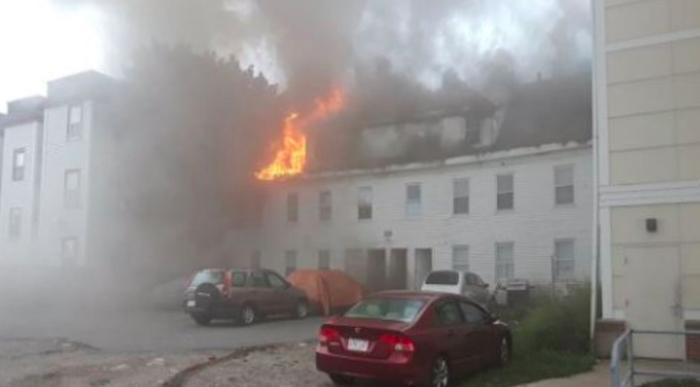 Massachusetts, esplosioni di gas in 3 città: un morto e 16 feriti