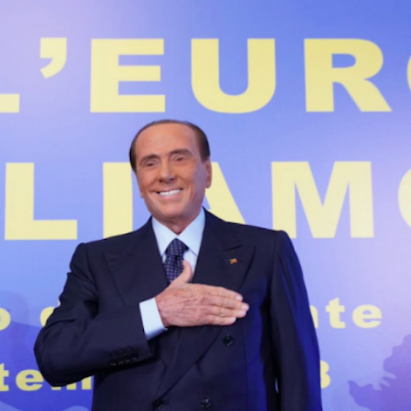 Berlusconi torna in campo: