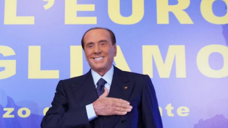Berlusconi torna in campo: