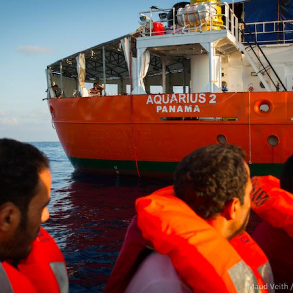 SOS Méditeranée accusa l'Italia: