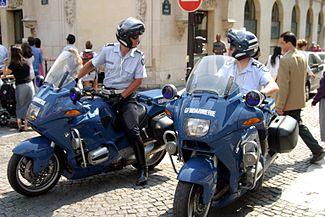 Migranti, scaricati in Italia da gendarmerie francese