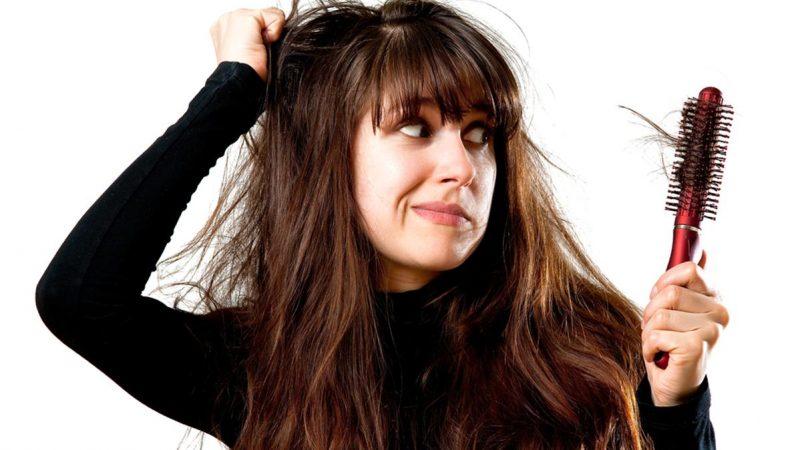 Caduta dei capelli stagionale, ecco 3 rimedi infallibili