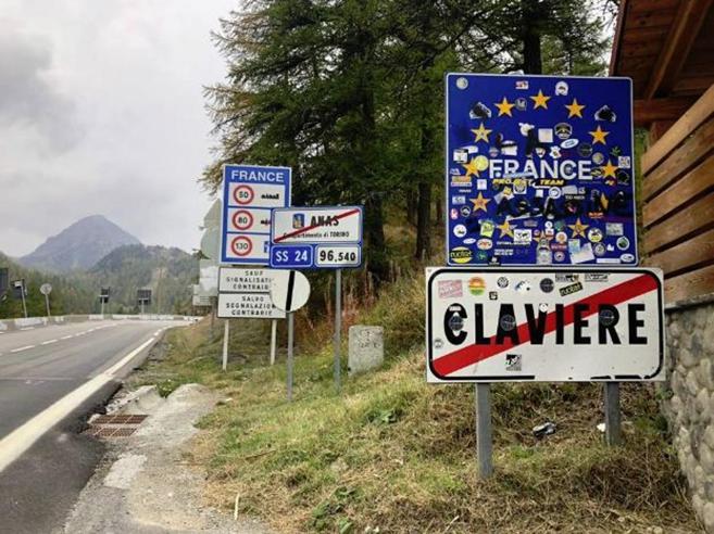 Migranti, la Francia respinge minorenni in Italia