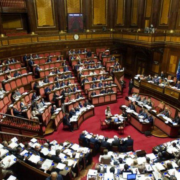 Manovra, pioggia di critiche ma il governo guarda avanti