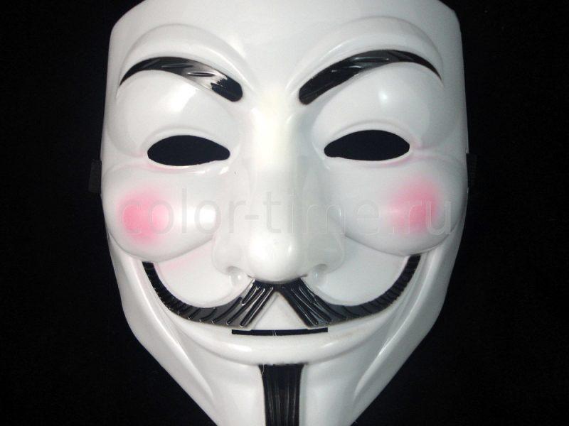 venezia, rapine, maschera di anonymous, arrestati 4 rapinatori con maschera, violente rapine in maschera a negozi a venezia