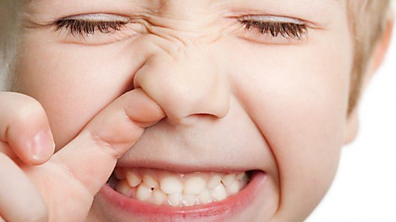 Corpi estranei nel naso del bimbo. Come fare?