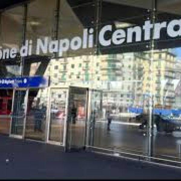 I parenti di Vincenzo Cimmino, Raffaele e Antonio Russo, 3 napoletani scomparsi in messico, familiari napoletani scomparsi in messico occupano stazione centrale, napoli