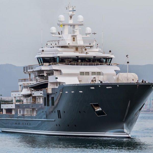 Mark Zuckerberg approda a Lipari a bordo di Ulysses