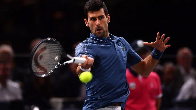 ATP Finals, Djokovic domina Isner. Zverev, debutto vincente
