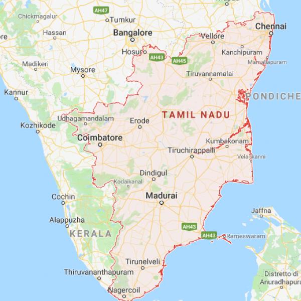 India, un violento ciclone uccide 10 persone