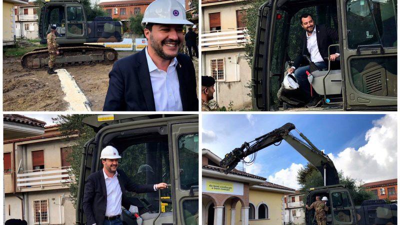 Casamonica, Salvini sulla ruspa per l'abbattimento della villa