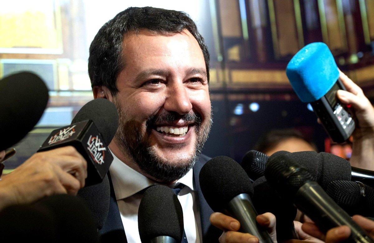 """Decreto Sicurezza, ok dal Senato. Salvini: """"Giornata storica"""""""