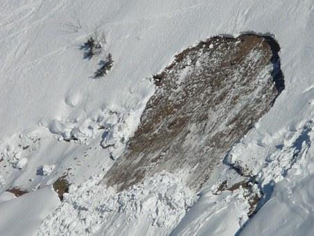Valanga in Alto Adige, un morto in Val Senales