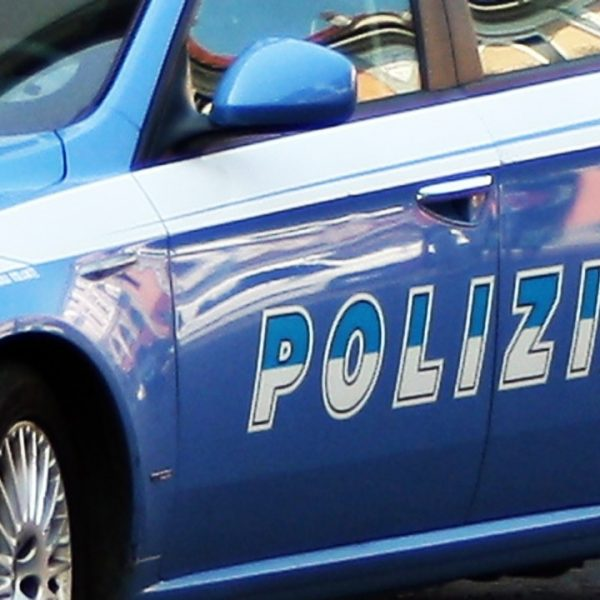 Roma, giù per le scale di Trinità dei Monti con l'auto: denunciato