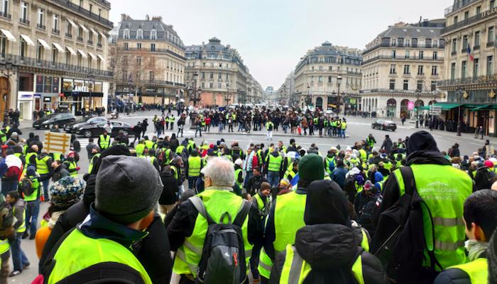 """Francia, in manette uno dei leader dei """"gilet gialli"""""""