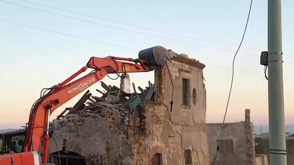 Agrigento, abbattuta la casa dei nonni di Andrea Camilleri