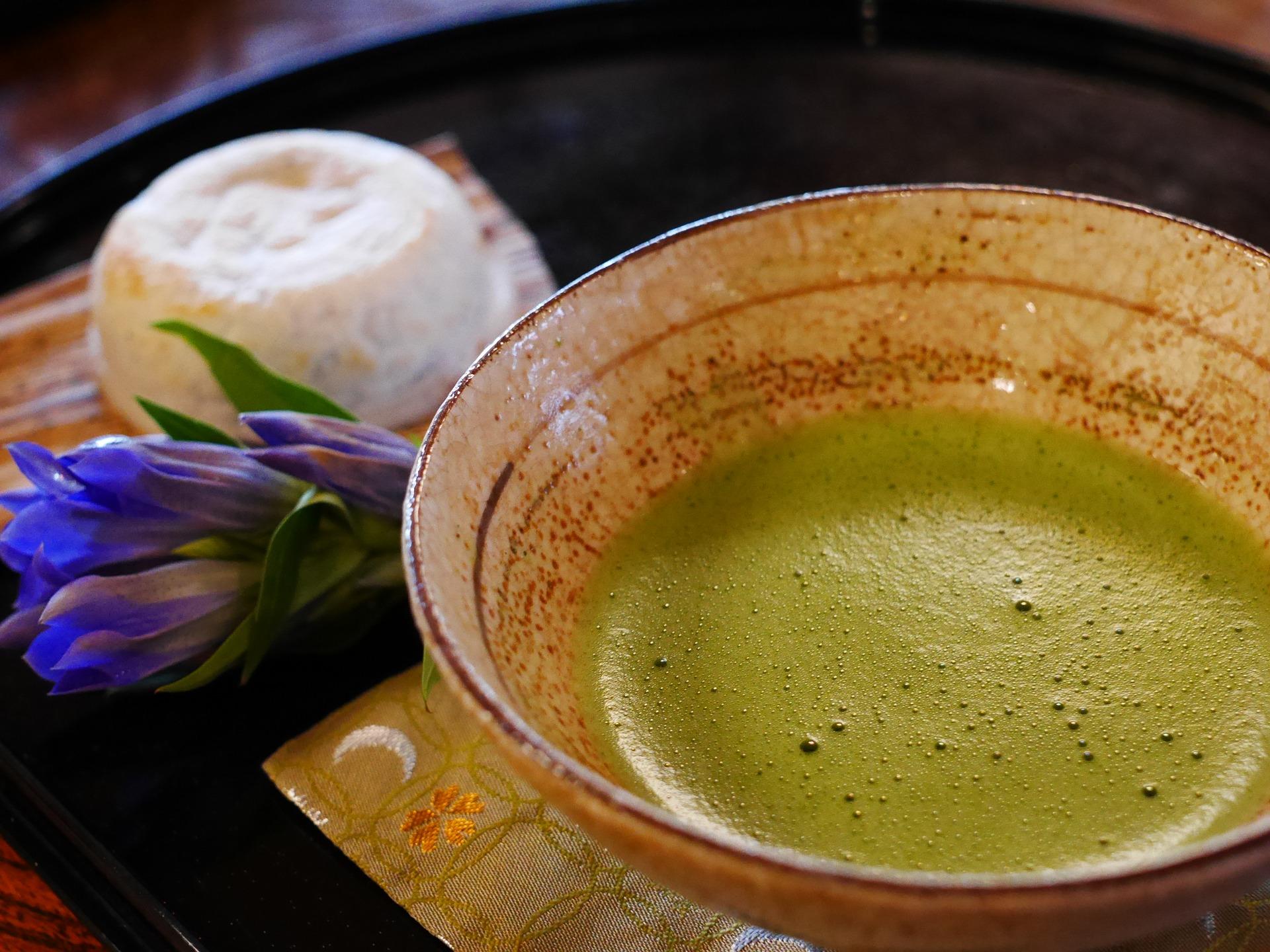 Tè matcha, i 5 benefici della preziosa bevanda giapponese