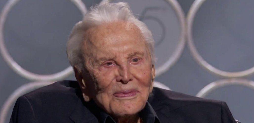 È morto Kirk Douglas, leggenda del cinema americano: aveva 103 anni