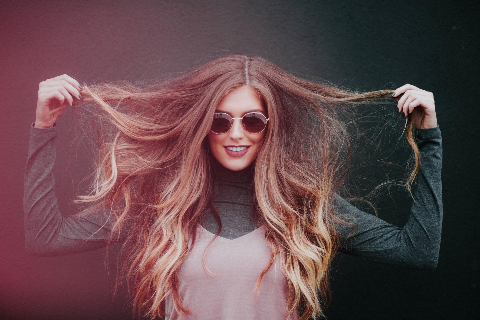 Caduta dei capelli: cause e rimedi per combatterla