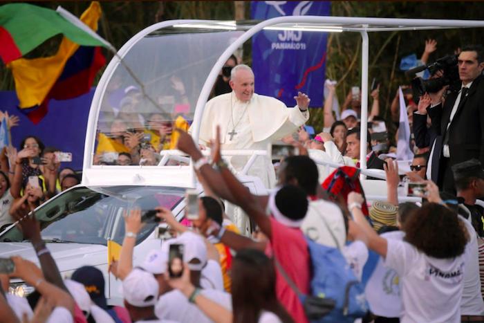 """Panama, in 400mila per il Papa: """"Abusi e indifferenza i 'cristi' di oggi"""""""