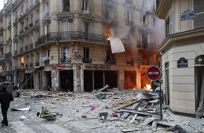 Violenta esplosione a Parigi, 3 morti: grave un'italiana