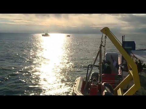 Sea Watch, sbarco di migranti fra tensioni di governo
