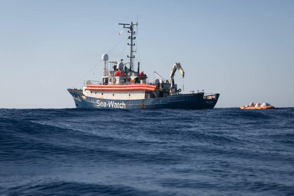 Migranti, la Sea Watch 3 può lasciare il porto di Catania: è diretta a Marsiglia