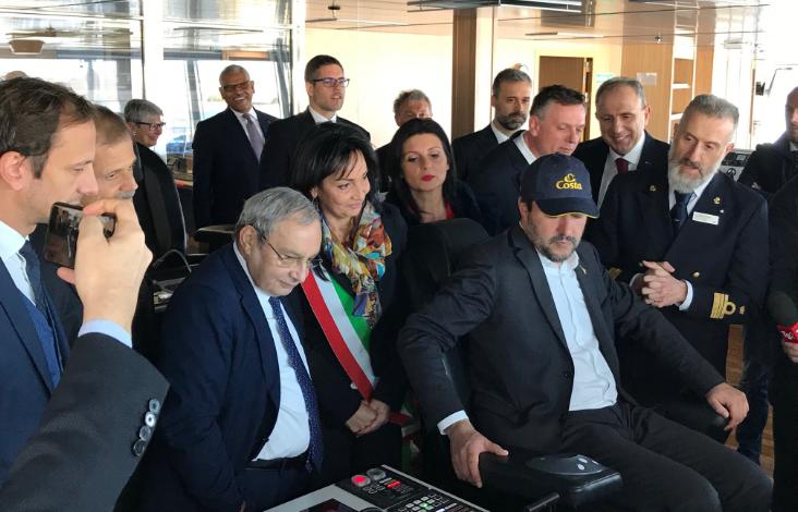 """Prostituzione, Salvini rilancia le 'case chiuse': """"È la strada giusta"""""""