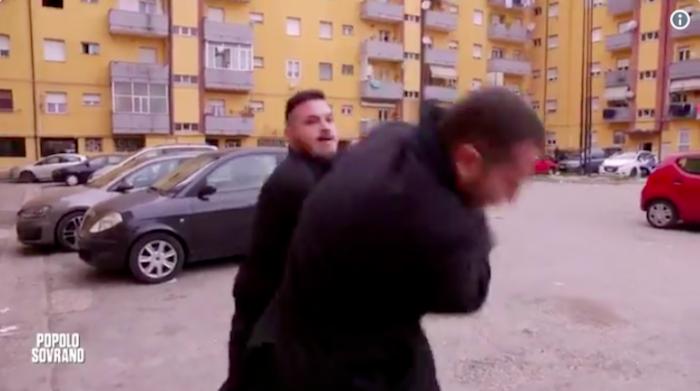 Pescara, Piervincenzi e la troupe Rai minacciati e aggrediti