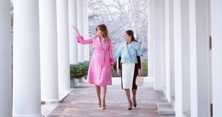 Cappotto rosa, il must have di fine inverno secondo Melania Trump