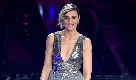 """Anna Foglietta su Sanremo: """"Sketch imbarazzanti. Ultimo? Deve stare calmo"""""""