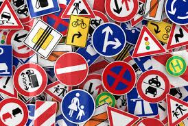 Bici contromano, skate, divieto di fumo alla guida: tutte le novità del codice stradale