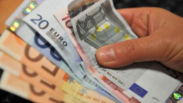 Pil, l'Istat rivede la stima al ribasso: debito al massimo