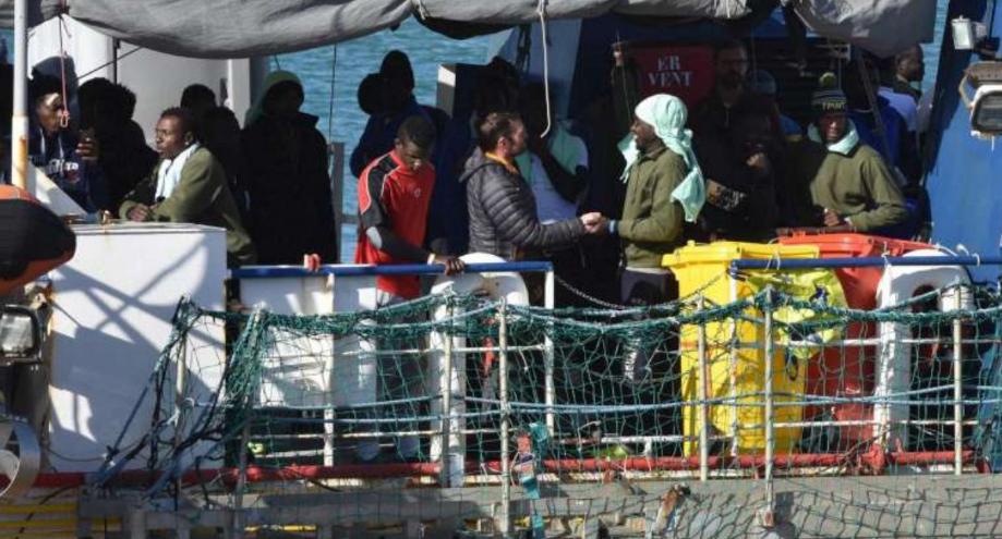 Migranti, crollano i permessi umanitari: boom di 'no' alle richieste d'asilo