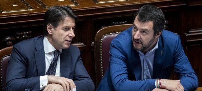 Governo, Salvini corteggia il M5S: ma Conte chiude alla Lega